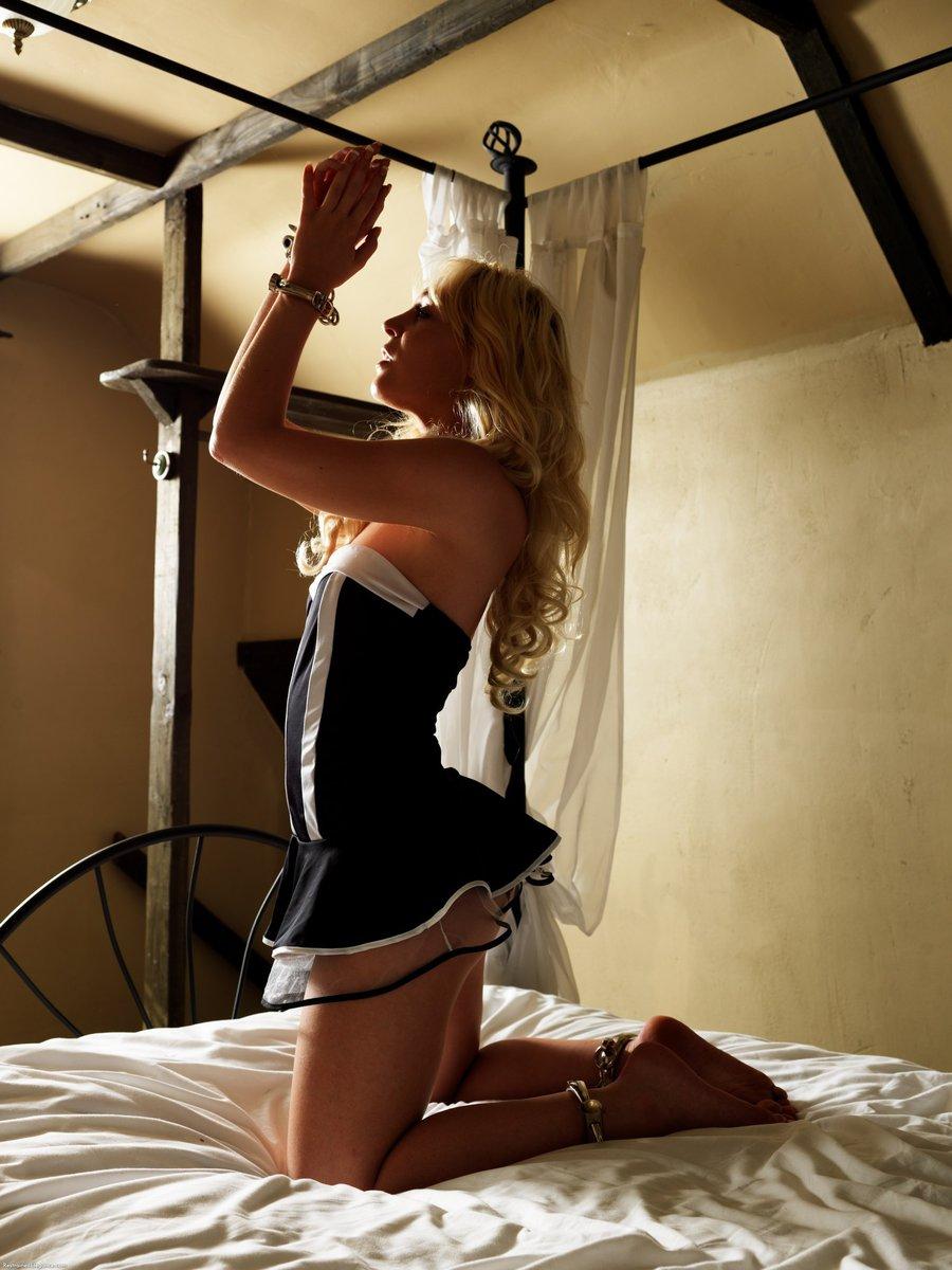 Beauty leg nude model masturbation orgasm